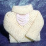 Yellow folded sweater - lace detail
